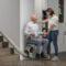 Duurzame keuze bij het ouder worden: verhuizen of een traplift?