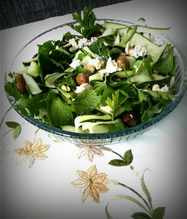 Frisse-groene-salademet-kaas-1